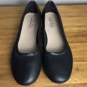 Collection by Clark's Black Leather Flats 6.5